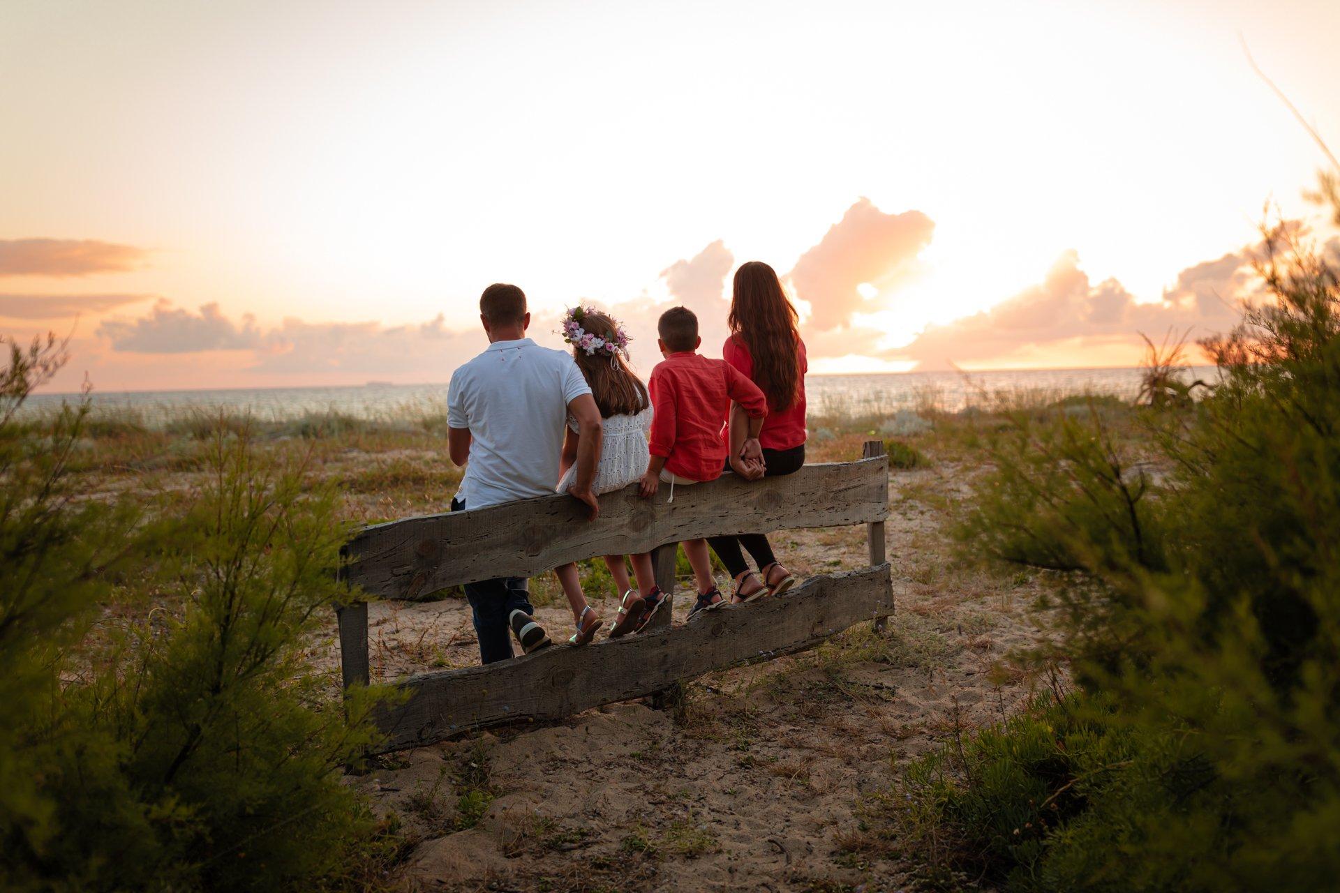 Mini sessione fotografica estiva ritratti di famiglia in Calabria San Ferdinando